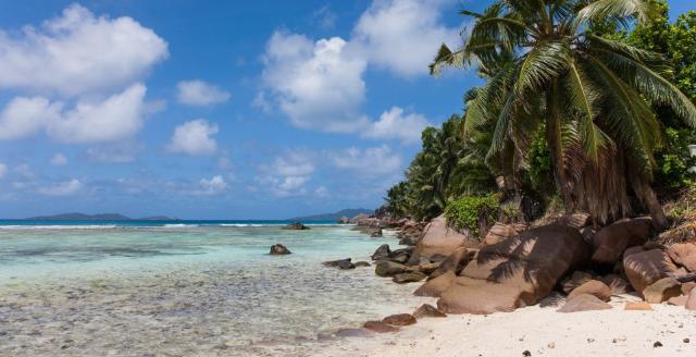 Apri Seychelles in semplicità - La Digue, Praslin e Mahè...per un viaggio completo alla scoperta delle Seychelles sul sito Caesar Tour Sposi